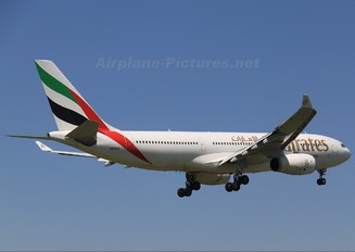 A6-EKQ - Emirates Airlines Airbus A330-200