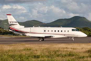N737QS - Netjets (USA) Gulfstream Aerospace G200