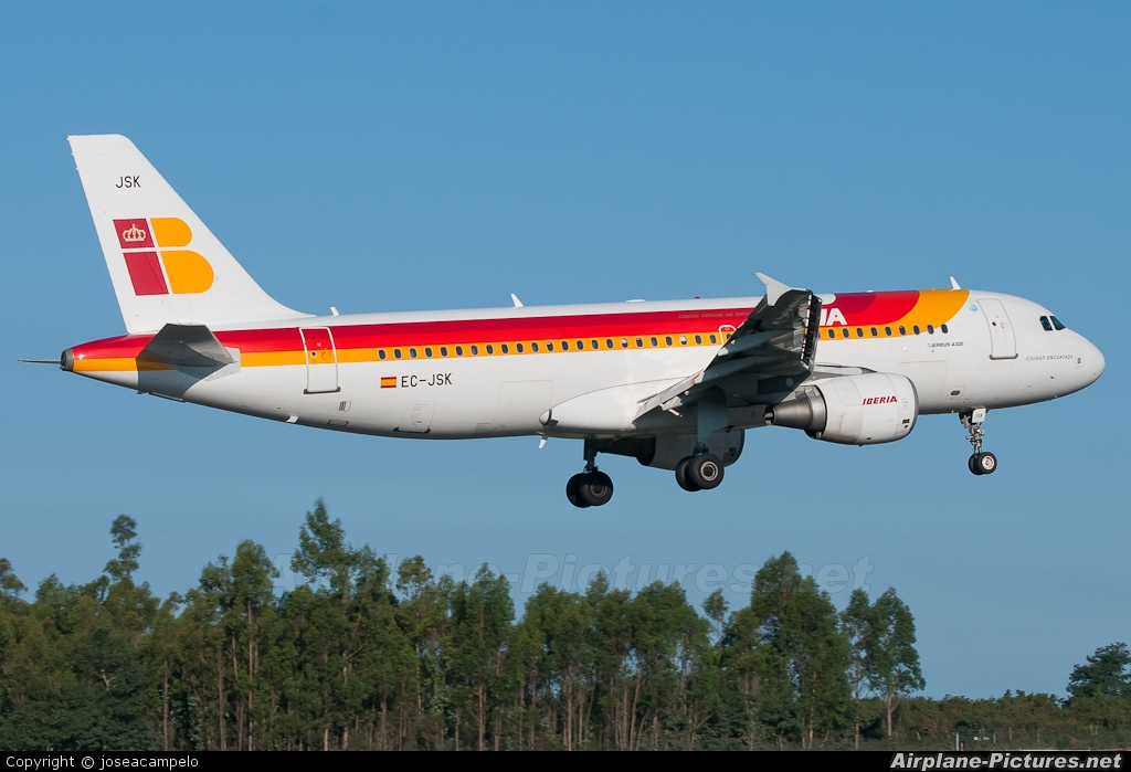 Iberia EC-JSK aircraft at Santiago de Compostela