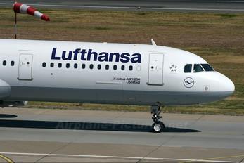D-AISF - Lufthansa Airbus A321