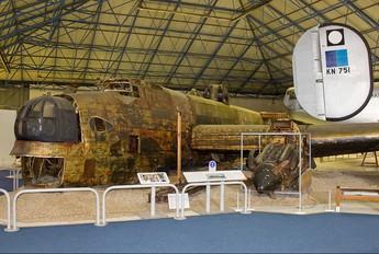 W1048 - Royal Air Force Handley Page Halifax