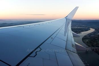 VH-VUT - Virgin Blue Boeing 737-800