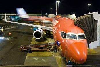 VH-VOC - Virgin Blue Boeing 737-800