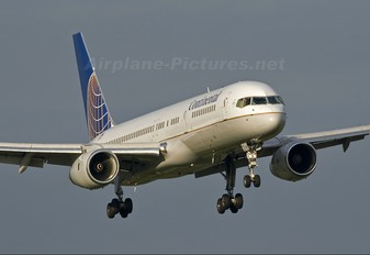 N67134 - Continental Airlines Boeing 757-200