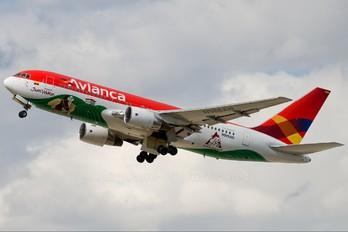 N988AN - Avianca Boeing 767-200ER
