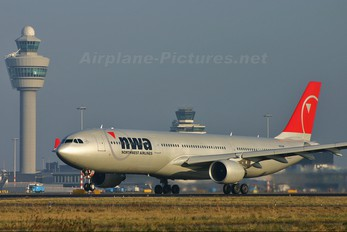 N852NW - Northwest Airlines Airbus A330-200