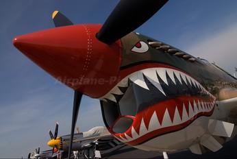 NX40PW - Private Curtiss P-40E Warhawk