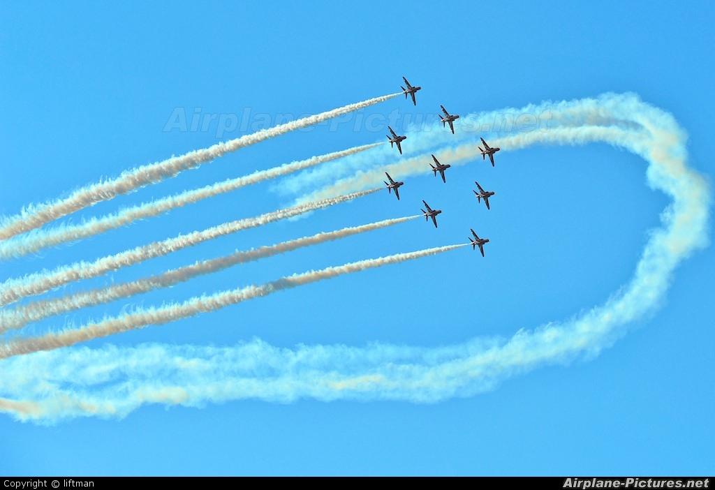 """Royal Air Force """"Red Arrows"""" - aircraft at Rivolto"""