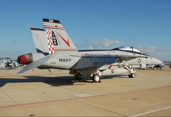166805 - USA - Navy McDonnell Douglas F/A-18F Super Hornet
