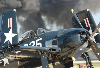 NX8TF - Private Grumman F8F Bearcat