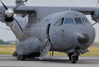 114 - France - Air Force Casa CN-235