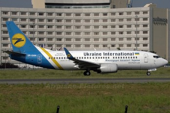 UR-GAN - Ukraine International Airlines Boeing 737-300