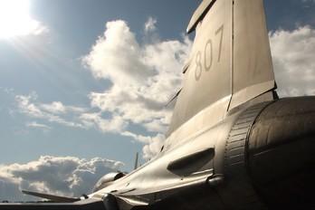 39807 - Sweden - Air Force SAAB JAS 39B Gripen