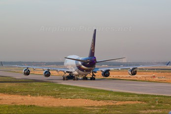 HS-TGH - Thai Airways Boeing 747-400