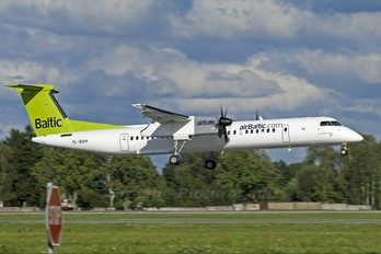 YL-BAH - Air Baltic de Havilland Canada DHC-8-400Q Dash 8