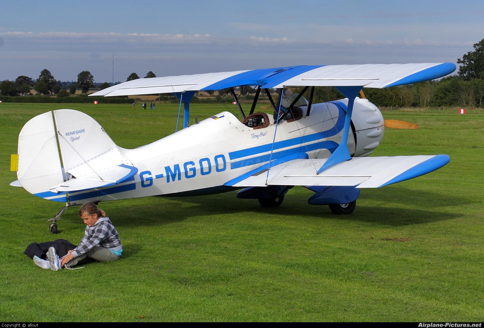 Private G-MGOO aircraft at Old Warden