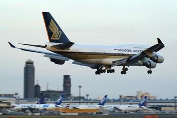 9V-SPJ - Singapore Airlines Boeing 747-400