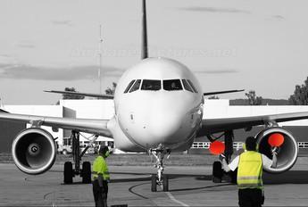 EC-LAQ - Iberworld Airbus A320