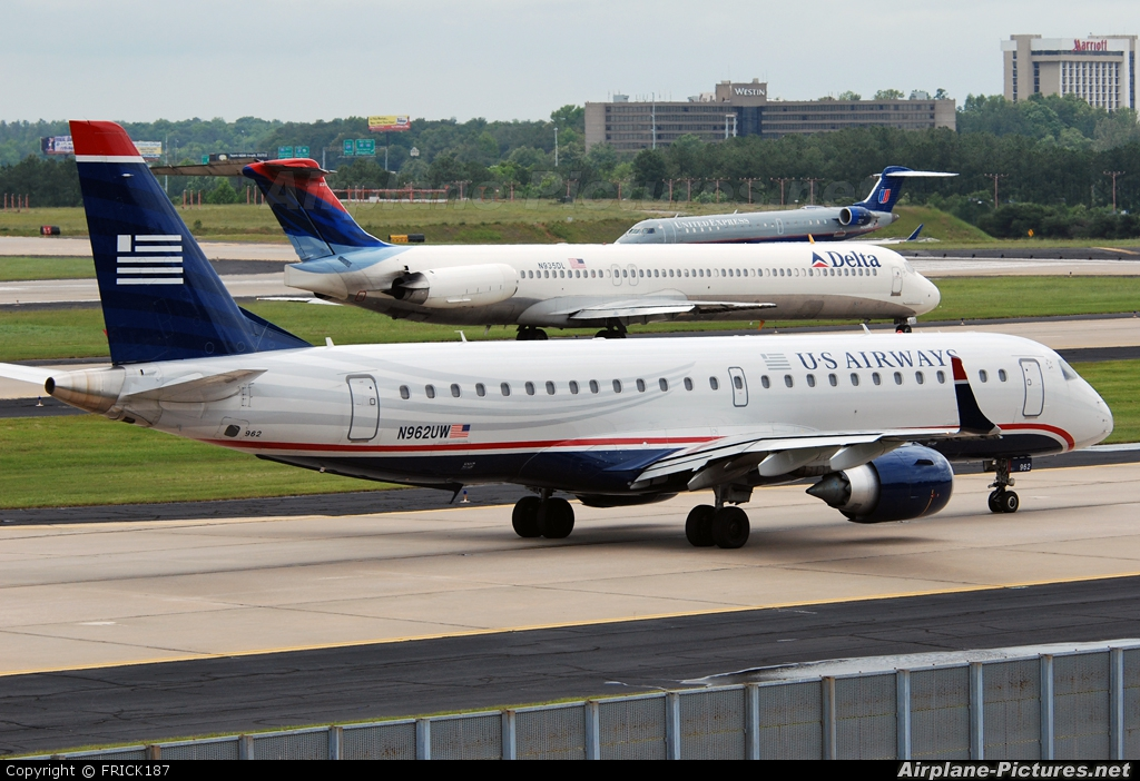 US Airways Express N962UW aircraft at Atlanta - Hartsfield-Jackson Intl
