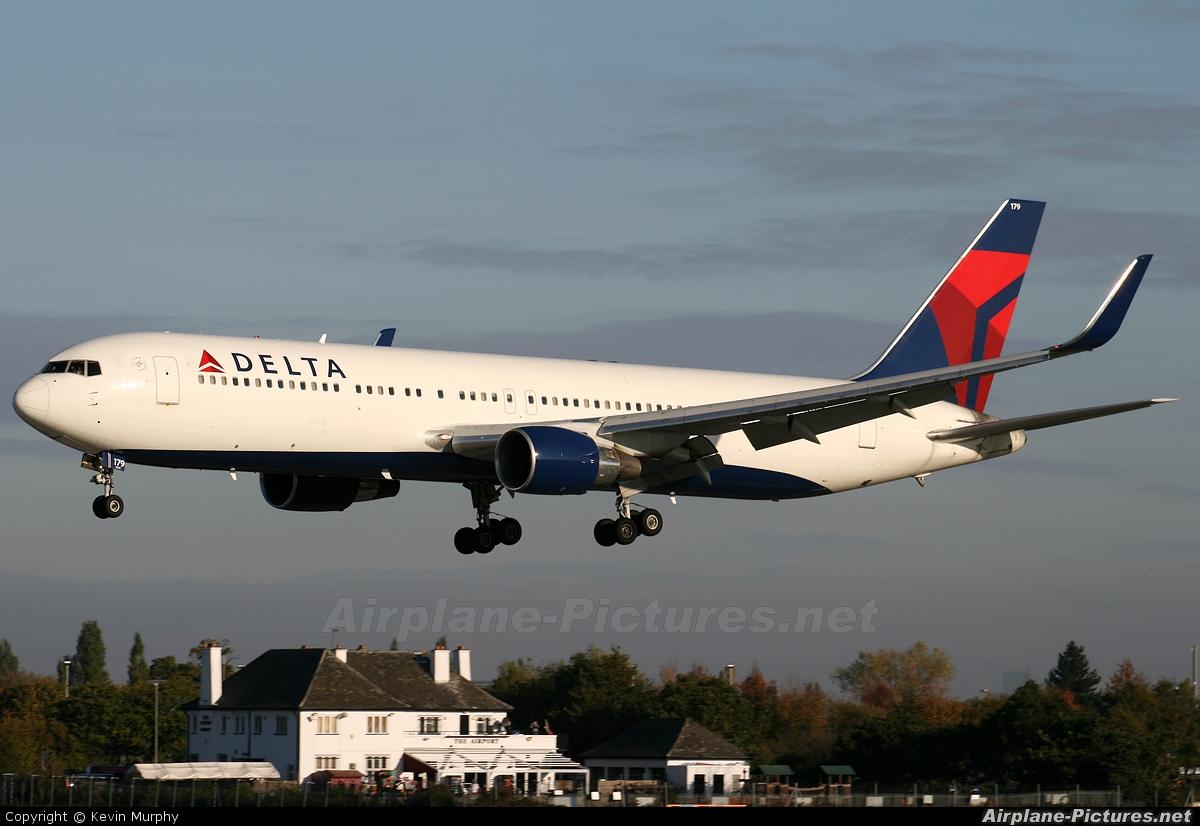 Delta Air Lines N179DN aircraft at Manchester