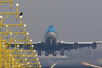 - - KLM Boeing 747-400