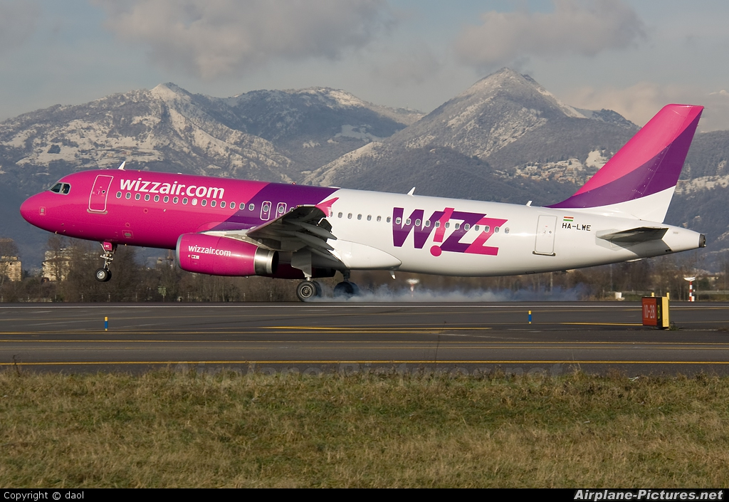 Wizz Air HA-LWE aircraft at Bergamo - Orio al Serio