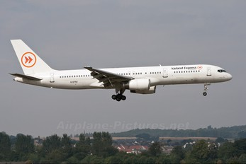 G-STRZ - Iceland Express Boeing 757-200