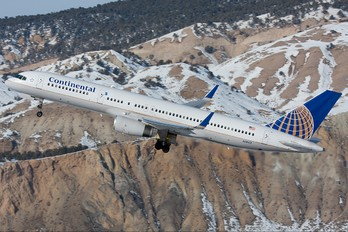 N19117 - Continental Airlines Boeing 757-200