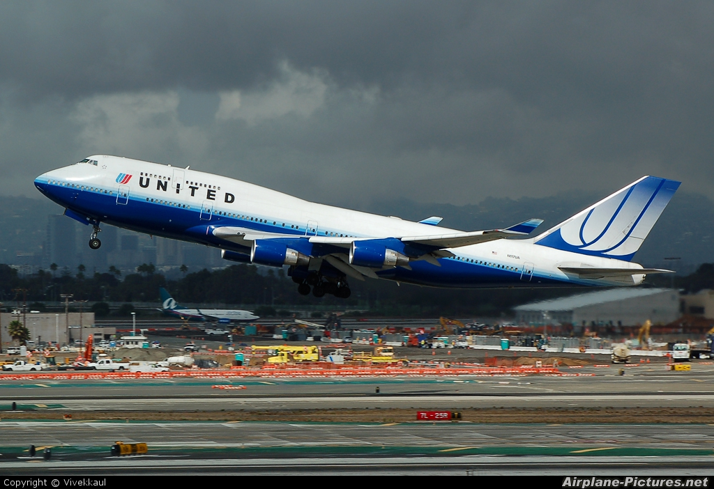 United Airlines N117UA aircraft at Los Angeles Intl