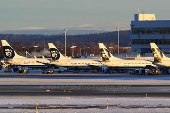 N755AS - Alaska Airlines Boeing 737-400