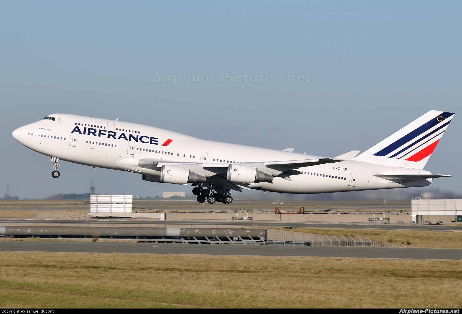 F gite air france boeing 747 400 at paris charles de for Interieur 747 air france