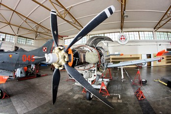 040 - Poland - Air Force PZL 130 Orlik TC-1 / 2