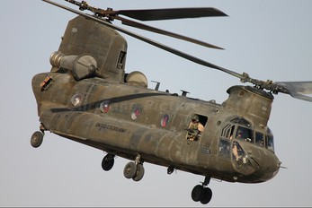 87-0104 - USA - Army Boeing CH-47D Chinook