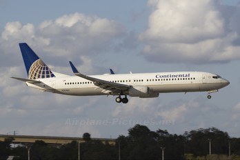 N30401 - Continental Airlines Boeing 737-900