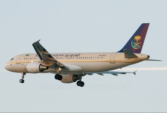 HZ-AS32 - Saudi Arabian Airlines Airbus A320