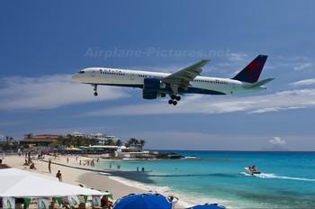 N633DL - Delta Air Lines Boeing 757-200