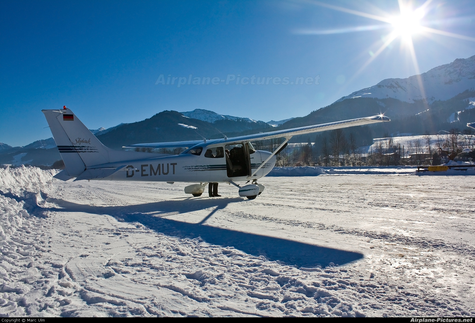 Private D-EMUT aircraft at St. Johann
