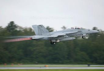 166664 - USA - Navy McDonnell Douglas F/A-18F Super Hornet