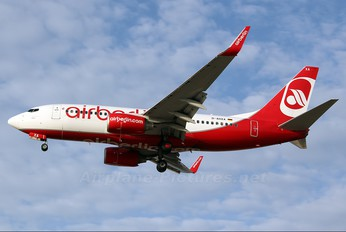 D-AHXA - Air Berlin Boeing 737-700