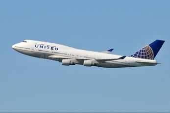 N127UA - United Airlines Boeing 747-400