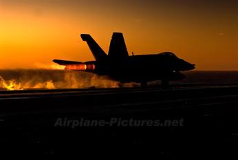 166647 - USA - Navy McDonnell Douglas F/A-18E Super Hornet