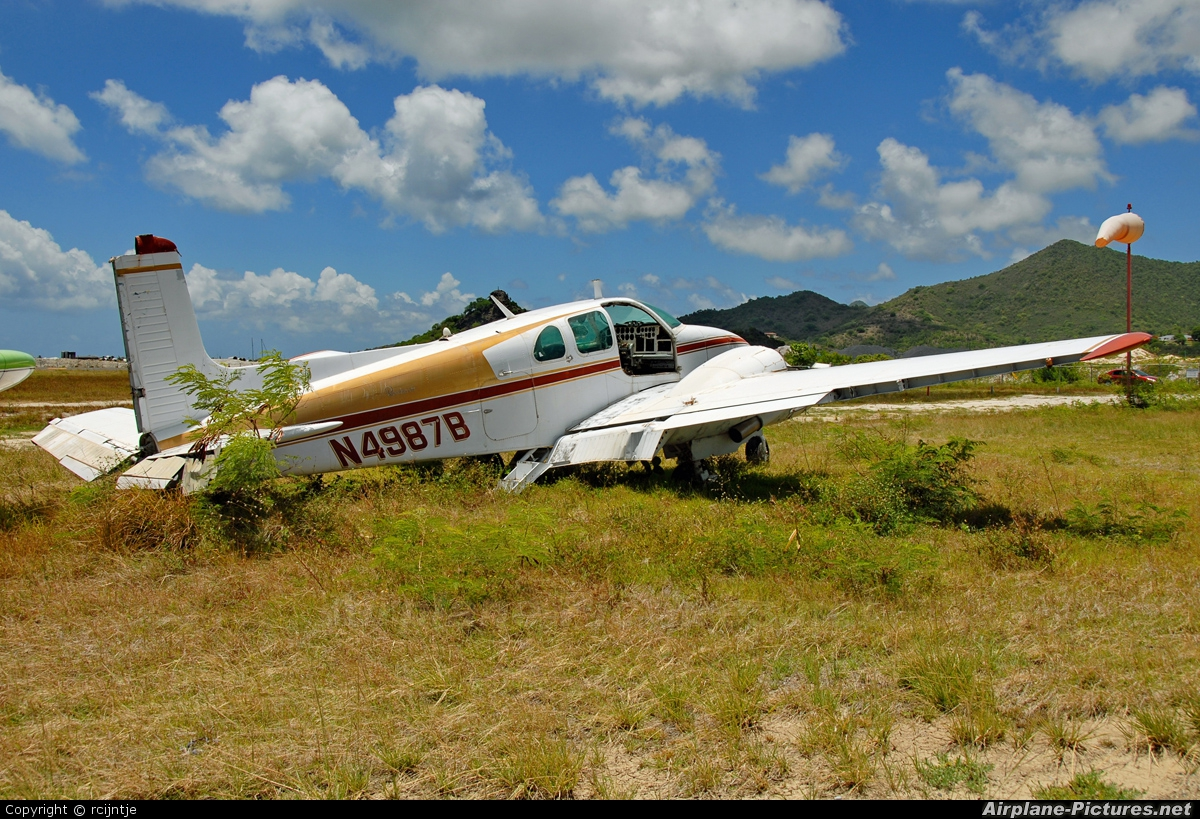 model airplanes ebay with N4987b Private Beechcraft 50 Twin Bonanza on 152030738416 in addition 151875999539 also 321884209035 also 221858701988 likewise N4987b Private Beechcraft 50 Twin Bonanza.
