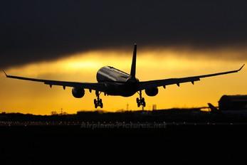VT-JWE - Oman Air Airbus A330-200