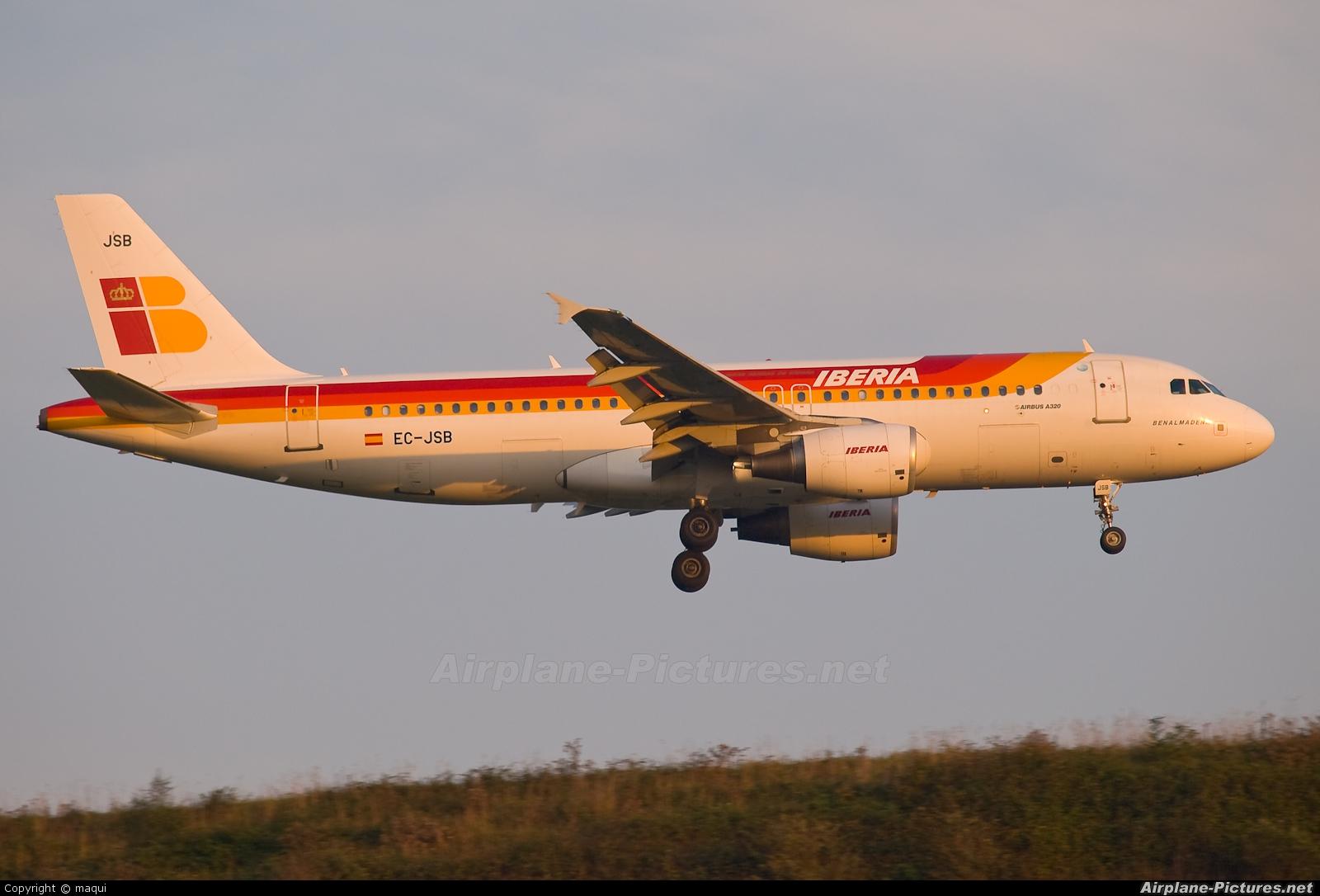 Iberia EC-JSB aircraft at La Coruña