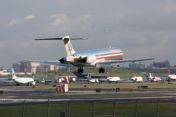 N446AA - American Airlines McDonnell Douglas MD-82