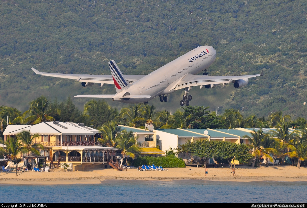 Air France F-GLZJ aircraft at Sint Maarten - Princess Juliana Intl