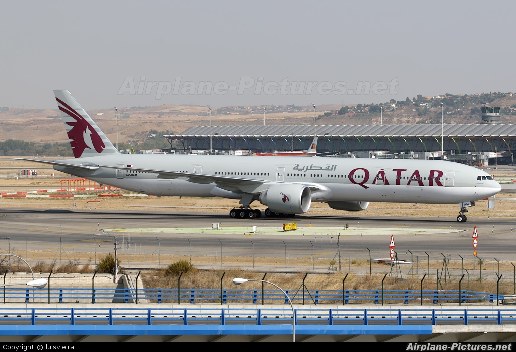 A7 bam qatar airways boeing 777 300er at madrid for Oficina qatar airways madrid