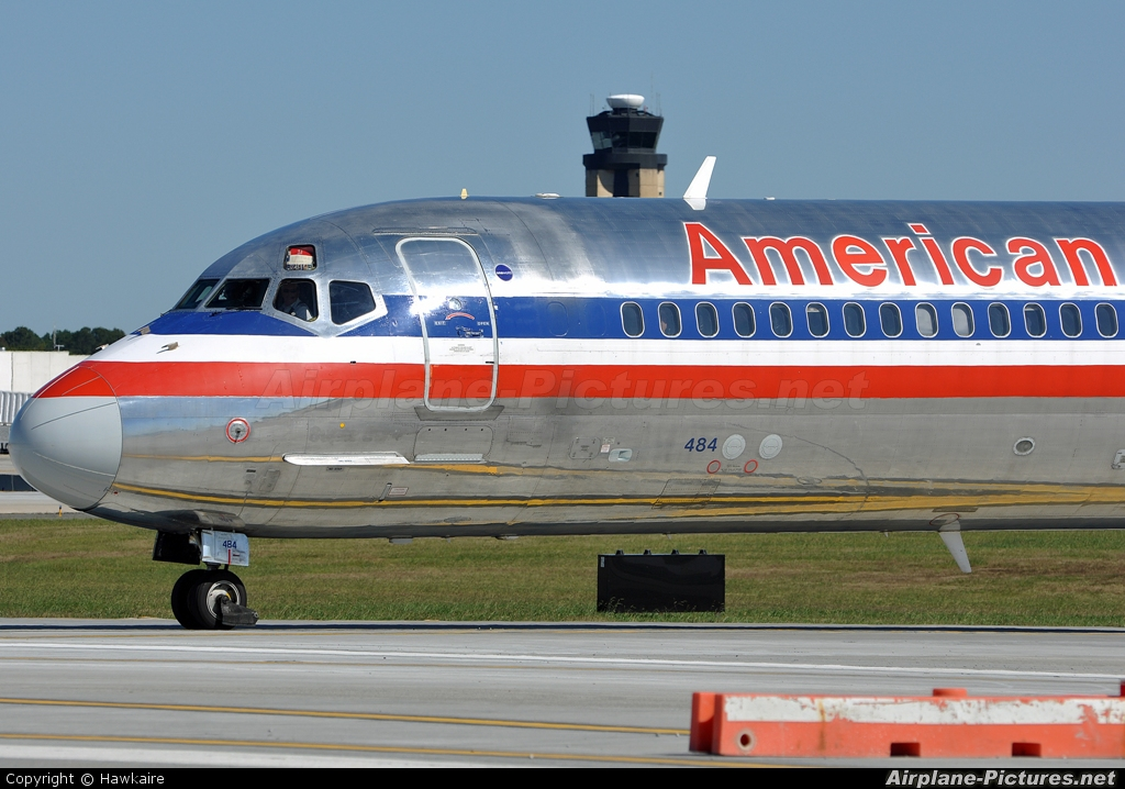 American Airlines N484AA aircraft at Charlotte - Douglas Intl