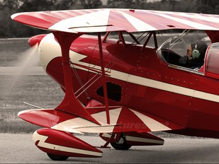 VH-ISI - Private Pitts S-1 Special