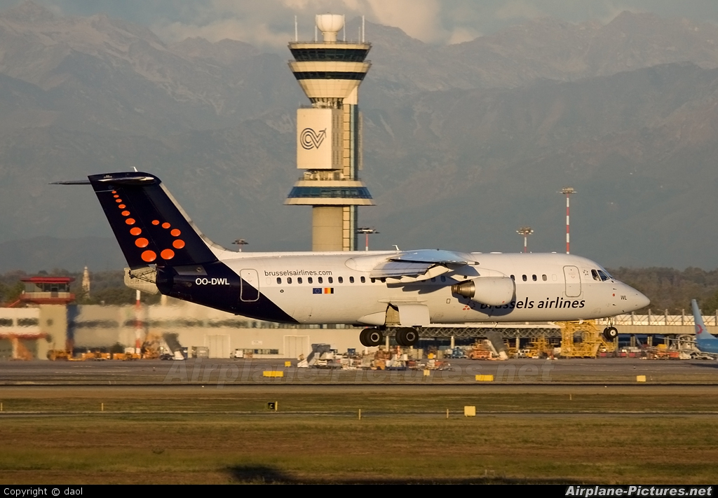 Brussels Airlines OO-DWL aircraft at Milan - Malpensa